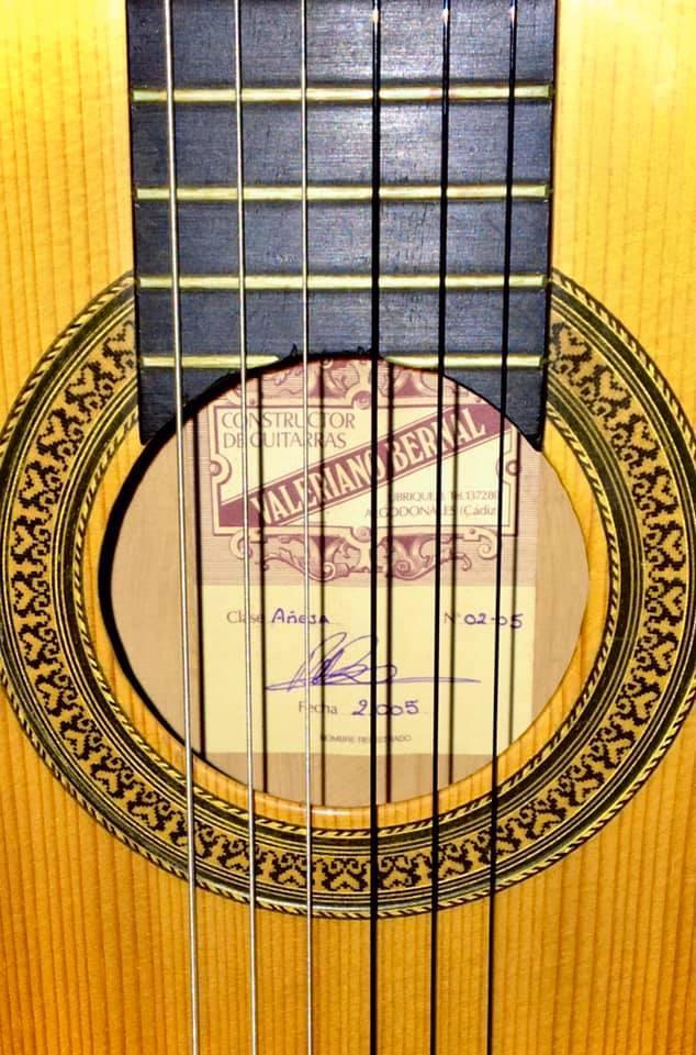 €1.850 ·  Guitarra Valeriano Bernal