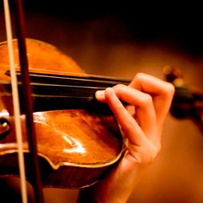 Foto violin plazas orquesta