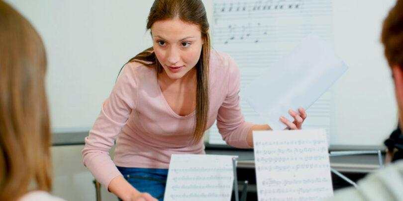 Profesor musica 810x405